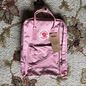 Fjallraven Kanken Backpack CLASSIC 16L